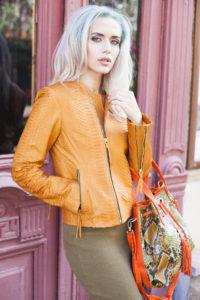 IMG 4399 e1470949408347 200x300 Апельсиновая куртка из кожи питона
