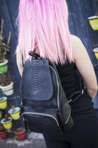 IMG 2982 200x300 Стильный рюкзак из натуральной кожи питона