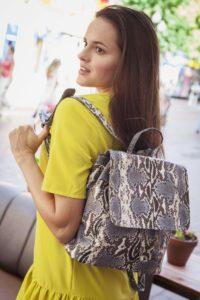 IMG 6559 200x300 Оригинальный рюкзак из натуральной кожи питона