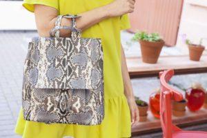 IMG 6561 1 300x200 Оригинальный рюкзак из натуральной кожи питона