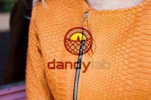 orange piton 300x200 Стильная куртка из натуральной кожи питона