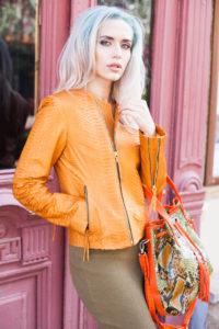 women orange piton 200x300 Апельсиновая куртка из питона