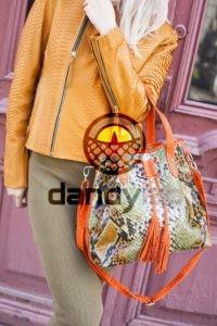 IMG 4396 200x300 Разноцветная сумка из питона