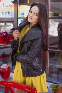 IMG 6546 1 200x300 Женская куртка в стиле кежуал из кожи питона