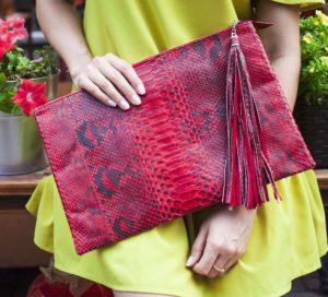 IMG 6609 e1473854059924 300x272 Красная сумочка из питона