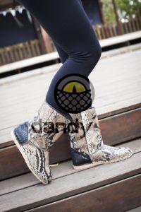 Dandylab piton218 200x300 Стильные угги из натуральной кожи питона