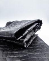 кожа крокодила черная